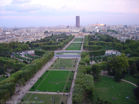 Parc du champ de Mars Paris