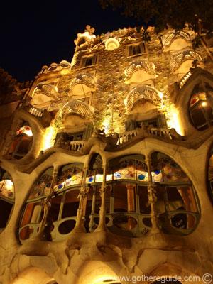 Casa Batllo at night Picture, Casa Batllo at night Photo