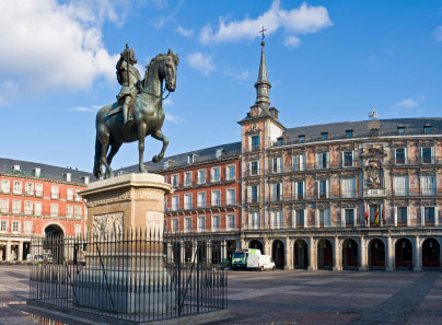 Plaza mayor plaza mayor information and pictures for Plaza de sol madrid