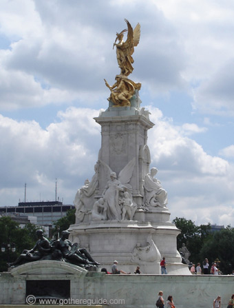 Queen Victoria Monument Buckingham Palace London